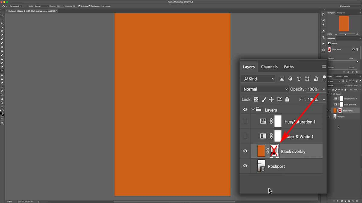 Hiding a layer mask by disabling it in Photoshop