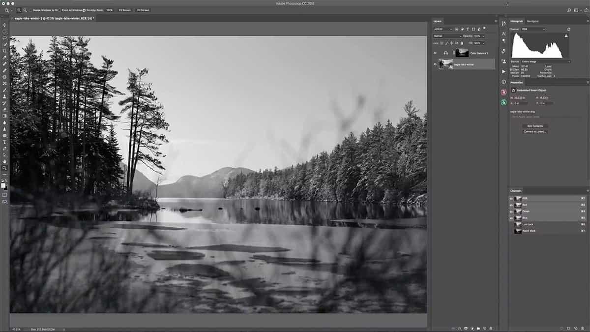 Black and white landscape for luminosity masks